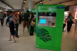 Automat de bilete la metroul din Paris