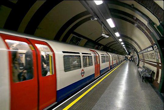 Harta Metrou Londra Pdf
